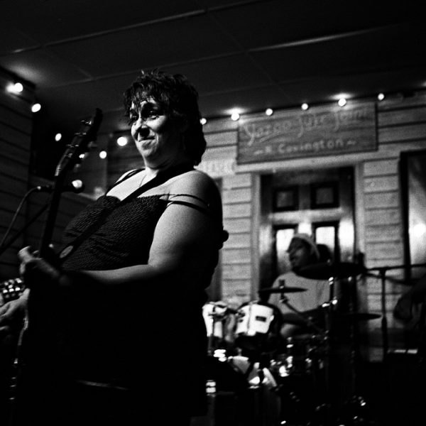 Joanna Connor Band plays at Kingson Mines in Chicago. June 2009.